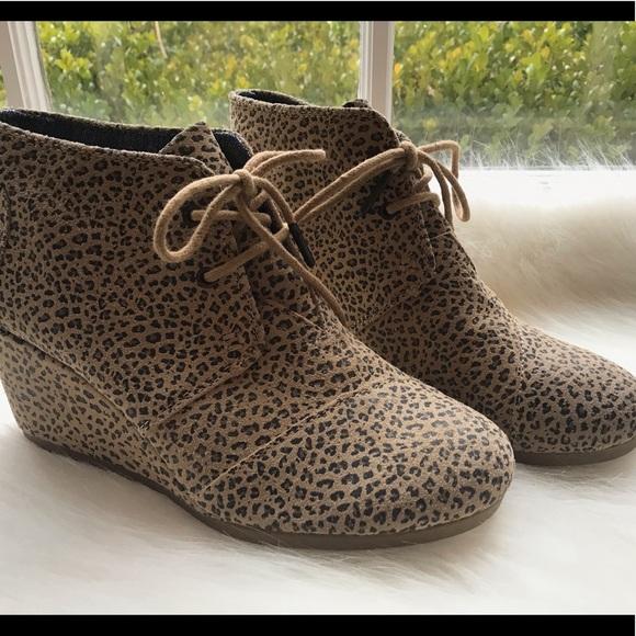 2c825b46be9 NEW TOMS women s Kala cheetah wedge bootie shoe 7